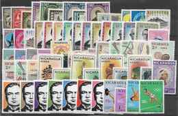 1957-60 NICARAGUA Composition 66 Timbres Différents  Avec Charnière, Hinge - Nicaragua
