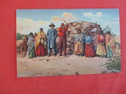 Navajo Indians At Home      Ref 3003 - Indiens De L'Amerique Du Nord