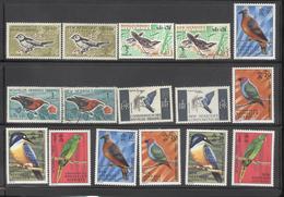 Lot De Timbres Nouvelles Hébrydes Thème Oiseaux - Collections, Lots & Series