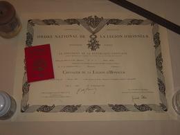 Diplome + Carte LH Ordre National De La Légion D'Honneur 1965 Signé Par Le Général De Gaulle - May Sciences Orsay - Diplômes & Bulletins Scolaires
