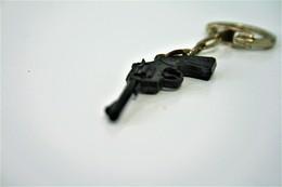 Vintage TOY GUN :  SCHICK Revolver - L=4,5cm - Keychain 1960s - Keywords : Cap - Cork Gun - Rifle - Revolver - Pistol - Armes Neutralisées