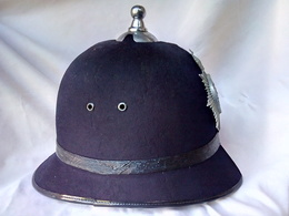 WW2 CASQUE POLICE ANGLAISE 'BOBBY' TAILLE 7/57 - Police