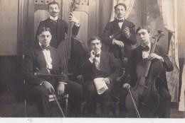 Carte Photo :   Groupe De Musiciens à Cordes (violon,  Violoncelle, Contrebasse) Ph Laurioux Angers - Anonymous Persons