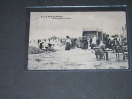 BLANKEBERGHE - AU MILIEU DES CABINES -postée 1912 - Blankenberge