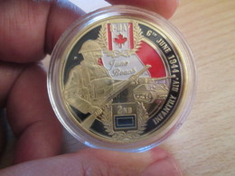 Superbe Medaille Polychrome Commémorative JUNO BEACH DEBARQUEMENT NORMANDIE 1944 Env 40mm état Neuf Jam. Sorti De Boite - France