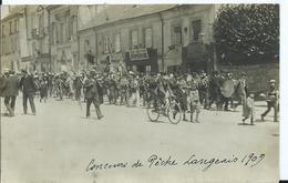 LANGEAIS - CARTE PHOTO - Concours De Pêche à La Ligne 02 Aout 1909 - Défilé - Langeais