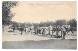 34 - BÉZIERS - 1er Régiment De Hussards : La Visite Des Chevaux - Ed. Mazet-Pons - Cavalerie - Beziers