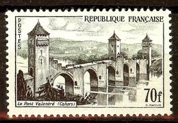 SUPERBE Pont VALENTRE YT N°1119 NEUF AVEC GOMME* Cote 13 Euro - France
