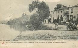 33 CABARA COIN DES QUAIS SUR LES BORDS DE LA DORDOGNE ET CHATEAU DE BLAIGNAC ANIMES - VOITURE - CARTE ENDOMMAGEE - France