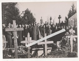 PHOTO GUERRE 1939 45 WW2 DRAME ORADOUR SUR GLANE VISITE GENERAL DE GAULLE COMMEMORATION CIMETIERE Ministère Information - War, Military