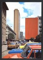 Polonia. Warszawa *Ulica Parkingowa - W Glebi Budynek Hotelu Forum* Edit. K.A.W. Nueva. - Polonia