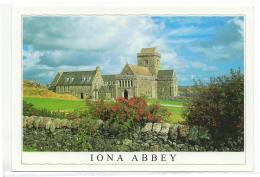 Postcard - Scotland - Summer - Ion Abbey, Iona - Argyll - Photo By Paul Guy - VG - Postcards