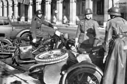 WW2 - Allemands Devant L'hôtel Meurice De Paris - 1939-45