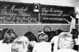 WW2 - Anniversaire Du Maréchal Pétain Dans Une école En 1942 - 1939-45