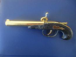Ancien Pistolet Briquet A Essence - Armas De Colección