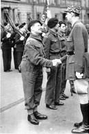 WW2 - Le Général De Gaulle Félicite Un Commando Français à Londres Le 14.07.1942 - 1939-45