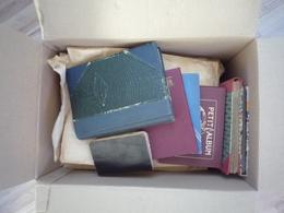 Dans Un Carton, Classeurs Timbres Monde, France, Colonies Françaises Des Milliers - Lettres - A Voir - 99 Scans - Francobolli