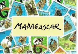 Madagascar - SINGES BENEDICTINES  Sur Timbres-poste Illustrés Sur Carte Postale De Madagascar - Madagascar