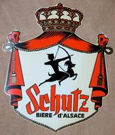 PUBLICITE SCHUTZ BIERE D'ALSACE ( EN PLASTIQUE ) 340 MM X 288 MM ENVIRONS - Other