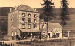 Vresse Sur Semois - A La Glycine - Hôtel Restaurant (animée, Oldtimer Garage) - Vresse-sur-Semois