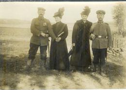 Carte Photo - 2 Soldats Allemands Et Leurs épouses , Ww1 - Guerre 1914-18