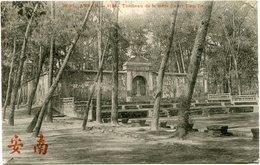 INDOCHINE CARTE POSTALE DE L'ANNAM -HUE -TOMBEAU DE LA MERE DU ROI TIEU-TRI AYANT VOYAGEE - Postales