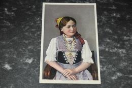 2563  Appenzeller Mädchen - Costumes
