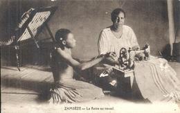 ZAMBIE - Zambeze - La Reine Au Travail Avec Une Machine à Coudre - Gros Plan - Zambie