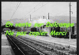 Gare De Foix (pour Saint Girons ) Ariège - Beau Cliché 1953 Photo Authentique Avec Cachet Bazin Locomotive 141 TB 683 - Foix