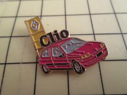 Sp08 Pin's Pins / Beau Et Rare / THEME : AUTOMOBILE / RENAULT CLIO ROUGE - Renault