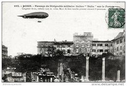 """CPA - ROME - PASSAGE DU DIRIGEABLE MILITAIRE ITALIEN """"ITALIA"""" Sur Le Forum - Dirigeables"""