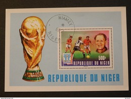 Niger 417 World Cup Argentina Sepp Herberger Germany Cancelled Minor Crease Right Side 1977 A04s - Niger (1960-...)