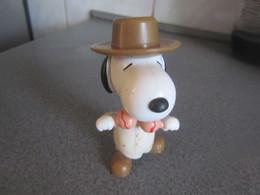 CE38  Figurine, Snoopy, 9 Cm - Snoopy