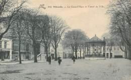 VILVORDE - La Grand'Place Et L'hôtel De Ville - Vilvoorde