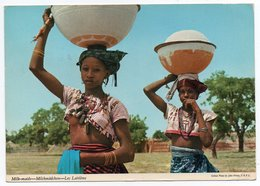 AFRICA - MILK-MAIDS (PUBL.JOHN HINDE) / YOUNG GIRLS / SEINS NUS-BREAST NUDE / WITH KENYA THEMATIC STAMPS - Kenia