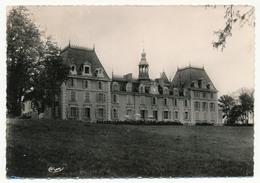 """CPSM - St-JEAN-LE-PRICHE (Saône Et Loire) - Hôtel Restaurant """"Chateau St Jean"""" - France"""