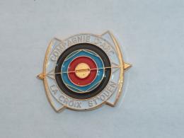 Pin's COMPAGNIE DES ARCHERS DE LA CROIX SAINT OUEN - Archery