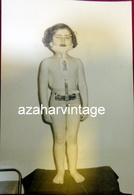 REAL PHOTO, Fille Nu Avec Un Appareil Orthopédique, Très Rare , 75x112mm - Personas Anónimos