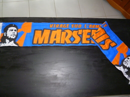 ECHARPE  FOOT FOOTBALL 012  OM OLYMPIQUE DE MARSEILLE WINNERS CHE MARSEILLAIS - Football