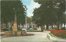 X3118 Kenosha - Civic Center Park - Boy Scouts Monument And Court House / Viaggiata 1967 - Kenosha
