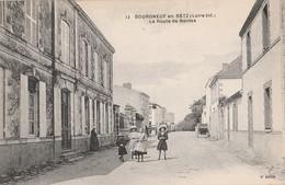 CPA 44  BOURGNEUF EN RETZ ROUTE DE NANTES  ANIMEE - Francia