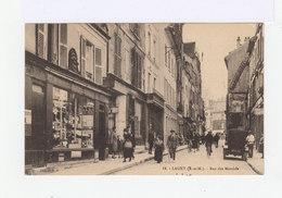 Lagny. Rue Des Marchés. Devantures De Commerce. Vélos. Automobile Avec Immatriculation. (3009) - Lagny Sur Marne