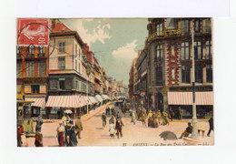 Amiens. La Rue Des Trois Cailloux. Commerces. Passants. Colorisée. (3011) - Amiens