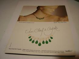 PUBLICITE AFFICHE JOAILLIER VAN CLEEF & ARPELS 1983 - Bijoux & Horlogerie
