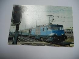 THEME DIVERS CARTE ANCIENNE COULEUR SANS ECRITURE EDIT LA VIE DU RAIL REMORQUE PAR LA 150004 TRI COURANT DE LA SNCB UN T - Trains