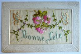 CARTE POSTALE CPA BRODEE BONNE FETE FLEURS PAPILLON - Cartes Postales