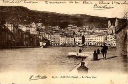 CORSE - - BASTIA - Sur Le Vieux Port - Bastia