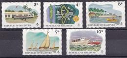 Maldives 1975 MNH**- Ship, Tourism - Malediven (1965-...)