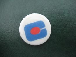 Fève Logo Continent Série Ancienne L'aventure Continent ( Personnalisée Continent ) Année 1995  - Fèves - Rare - Sports
