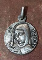 """Beau Pendentif Médaille Religieuse Argent 925 """"Saint Benoit""""  Silver Religious Medal - Religión & Esoterismo"""